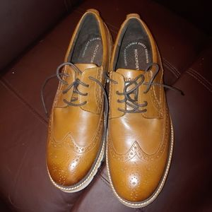 Rockport shock absorbing wing tips.